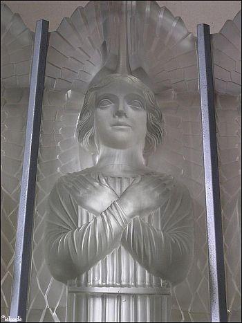 Aartsengel Glass Church