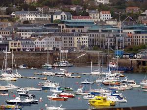 Zicht op Saint Peter Port