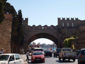 Een stadspoort van Rhodos-Stad