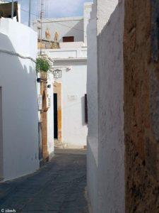 De witte huizen van Lindos