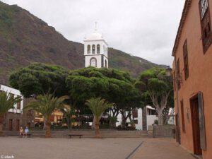 Een plein en een toren