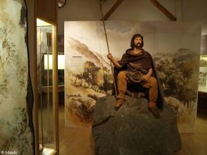 in het museum/in the museum
