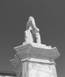 Standbeeld Petro