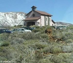 kapel in de bergen/chapel in the mountains