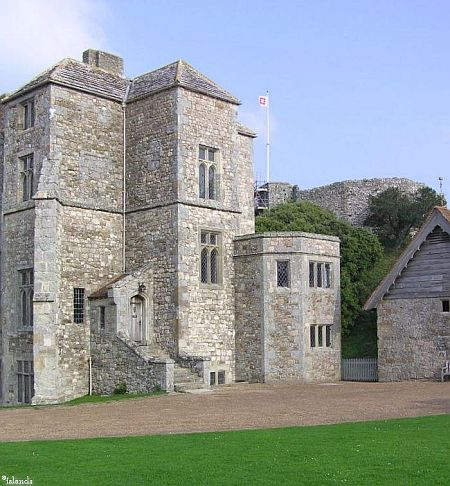 Carisbrooke Castle